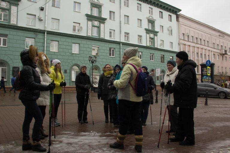 Северная ходьба, исторические прогулки на палочках